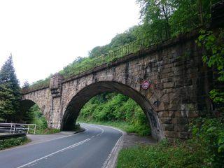 Eisenbahnbrücke im Hönnetal